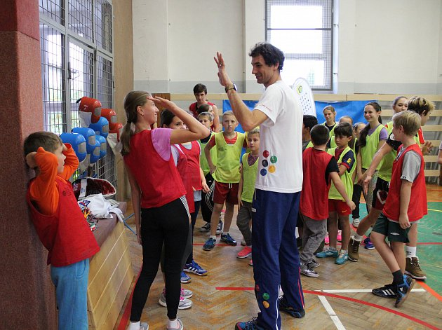 obrazem-deti-sportovaly-s-olympionikem-jirim-beranem01-19_denik-630